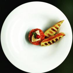 Tartare di fassona, bloc de foie gras, pan brioche, marasca